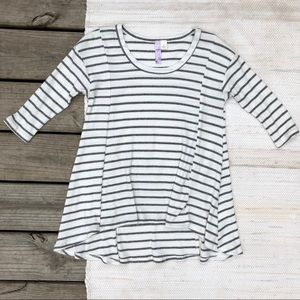 Francesca's collections striped Ribbed shirt